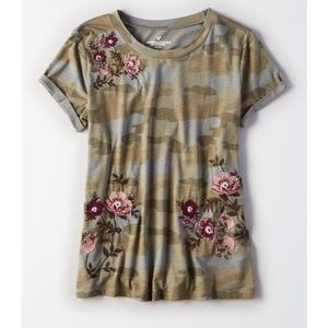 [American Eagle] NWOT Camo Floral Top, L